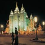 Familien existieren ewig: Daher bauen Mormonen Tempel (hier der Salt Lake Tempel), um darin 'für Zeit und alle Ewigkeit' aneinander gesiegelt werden können.