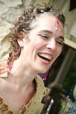 McArthur Krishna lachend - Lachen gehört zu einem Leben in Fülle mit Gott