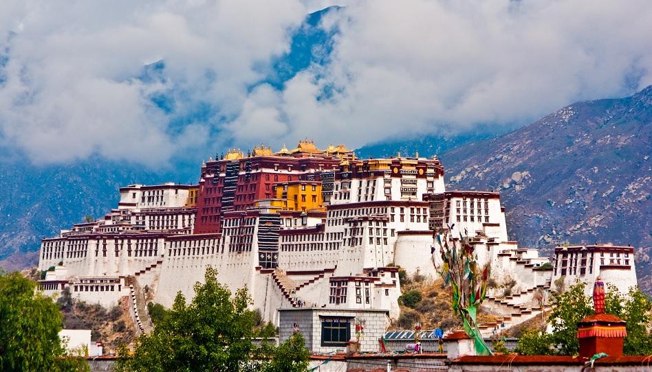 Wenn man den Potala Palast in Lhasa, Tibet, besucht, kann die Luft schon etwas knapper werden.