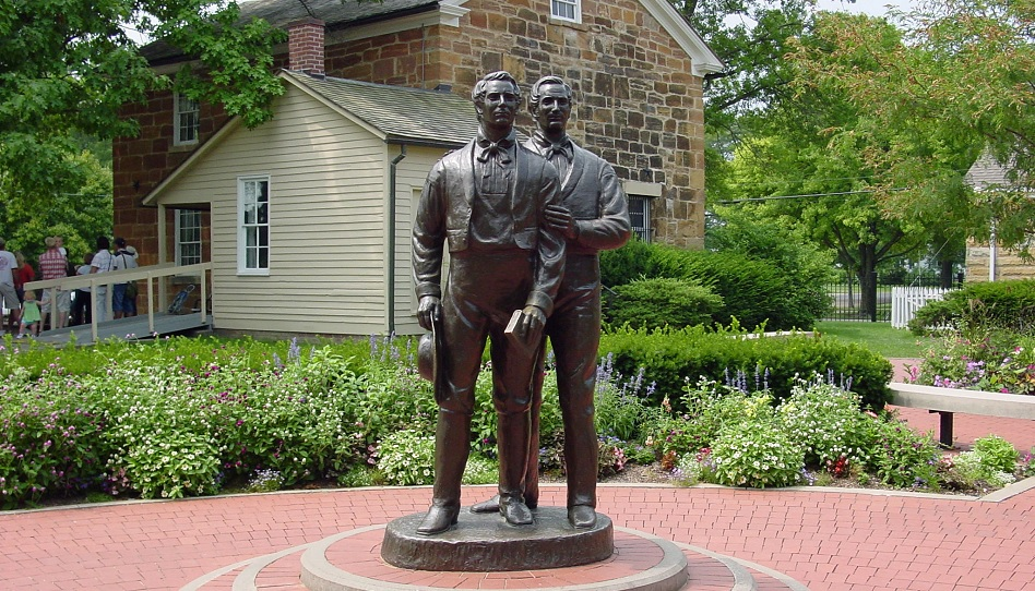 Hyrum und Joseph Smith Statue