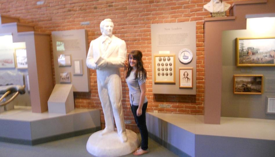 Joseph Smith mehrere Frauen Statue