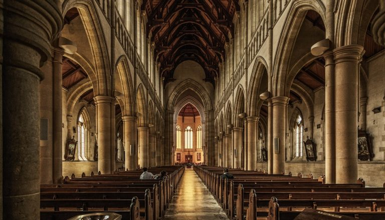 Kirche ist erdrückend und uncool