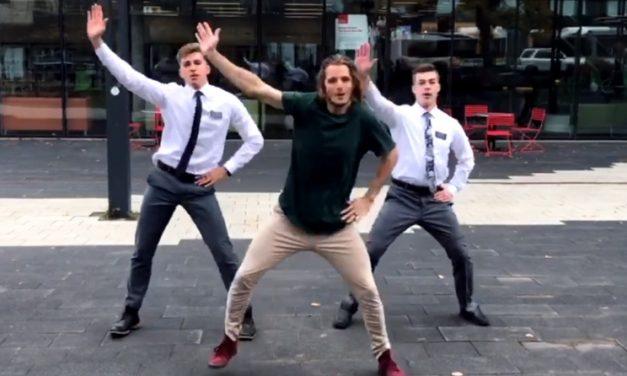 Tanzende Missionare: Die wahre Geschichte hinter diesem viralen Video