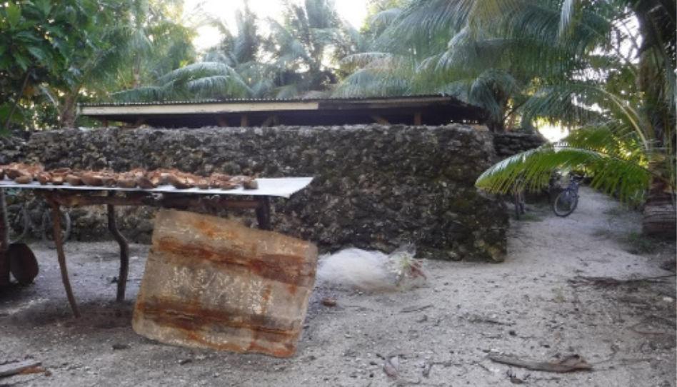 Zu sehen ist das Haus von Beeria, dem toten Mann, den die Missionare auf Mission fanden.