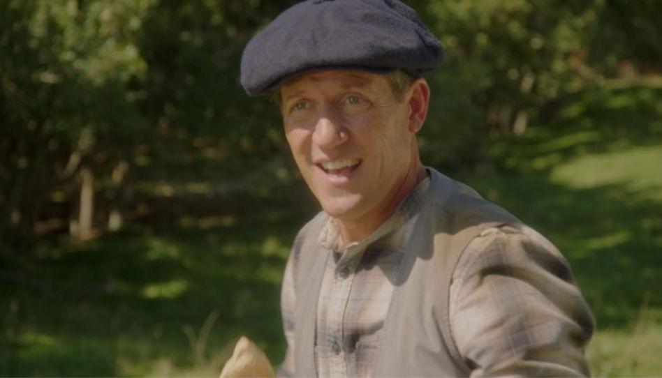 Zu sehen ist David McConnell, der die Rolle des Willard Bean spielt, welcher ein Leben für Gott führte.