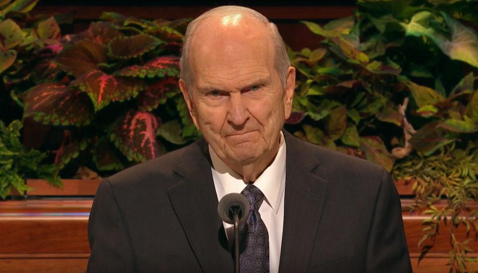 """Zu sehen ist ein Bild-Ausschnitt aus Russell M. Nelsons """"Abschlussbemerkungen"""" der Generalkonferenz im Herbst 2019, in welcher er auch über das Haus des Herrn sprach, wie die Tempel der Kirche Jesu Christi bezeichnet werden."""