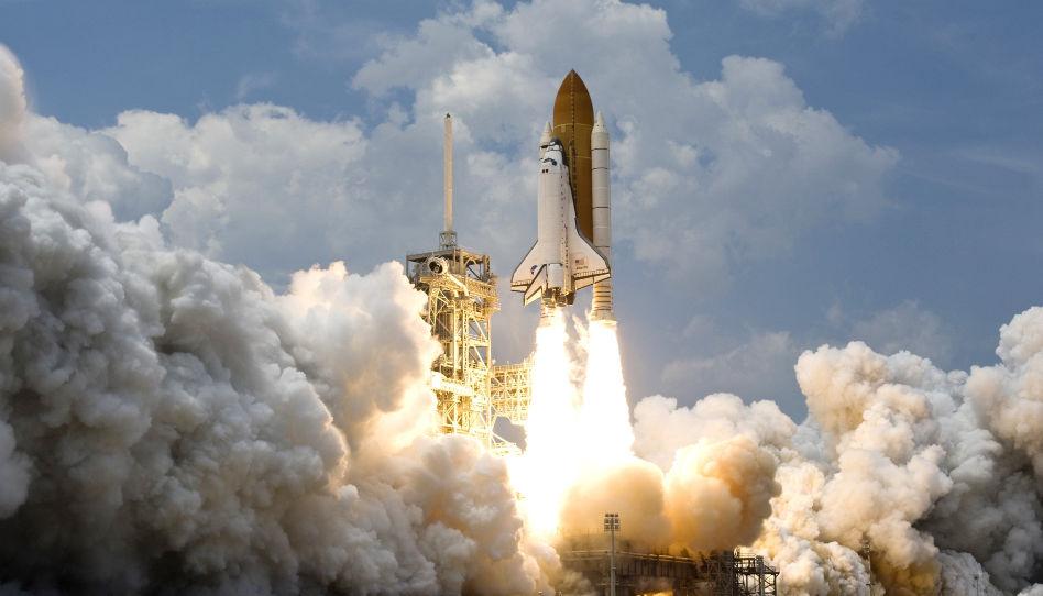 Für viele ist die Wissenschaft das Maß aller Dinge. Für sie ist es nicht rational, an Gott zu glauben. Darum ist hier symbolisch eine startende Rakete zu sehen.